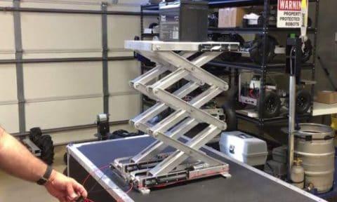 Video: 38-inch Scissor Lifts Raise 35 AH Battery